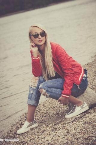 Alexandra (14) (Small) (Medium)
