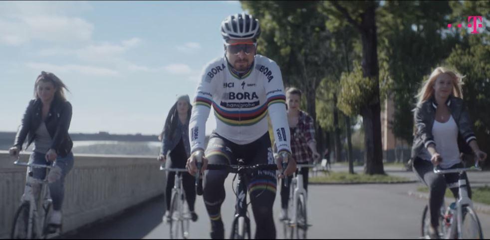 Szia Komárom - A gútai teremkerékpáros lányok Peter Sagannal a Telekom reklámfilmjében
