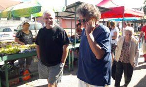 Szia Komárom - Pici a piacon – Presser Gábor tegnap a komáromi piacon vásárolt
