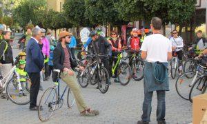 Szia Komárom - Kerékpárok lepték el pénteken a Klapka teret