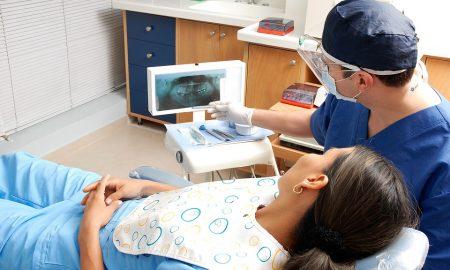 Szia Komárom - Amikor a fogunk fáj – Sürgősségi fogászati ellátás a Komárno Shopping Centerben