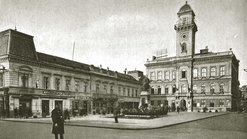 Klapka-tér a Zichy Palotával