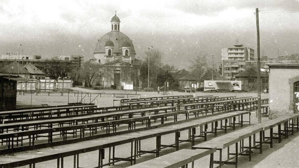 Szia Komárom - Képsorozat az évtizedekkel ezelőtti Kossuth térről és Jókai utcáról