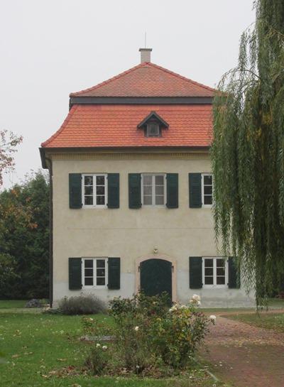 Melyik család birtoka volt a képen látható villa?