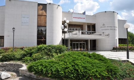 Szia Komárom - Jótékonysági gyűjtést szervez a Komáromi Jókai Színház