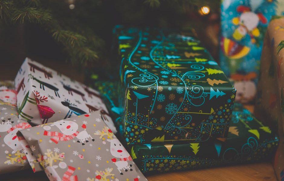 Szia Komárom - Mi bújik meg a karácsonyfák tövében? – vásárlási szokásaink és népszerű ajándékok