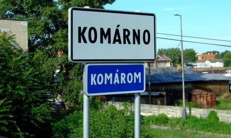 Szia Komárom - A komáromi kék tábla még hosszú évekig a helyén maradhat