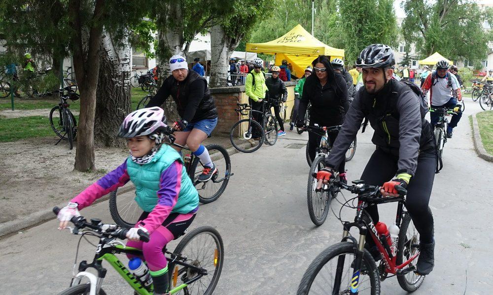 Szia Komárom - Futás után jöhet a kerékpár: Csárda túra, az idei Komáromi Napokon is