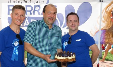 Szia Komárom - A fürdőben (is) ünnepelt a Forrás Rádió