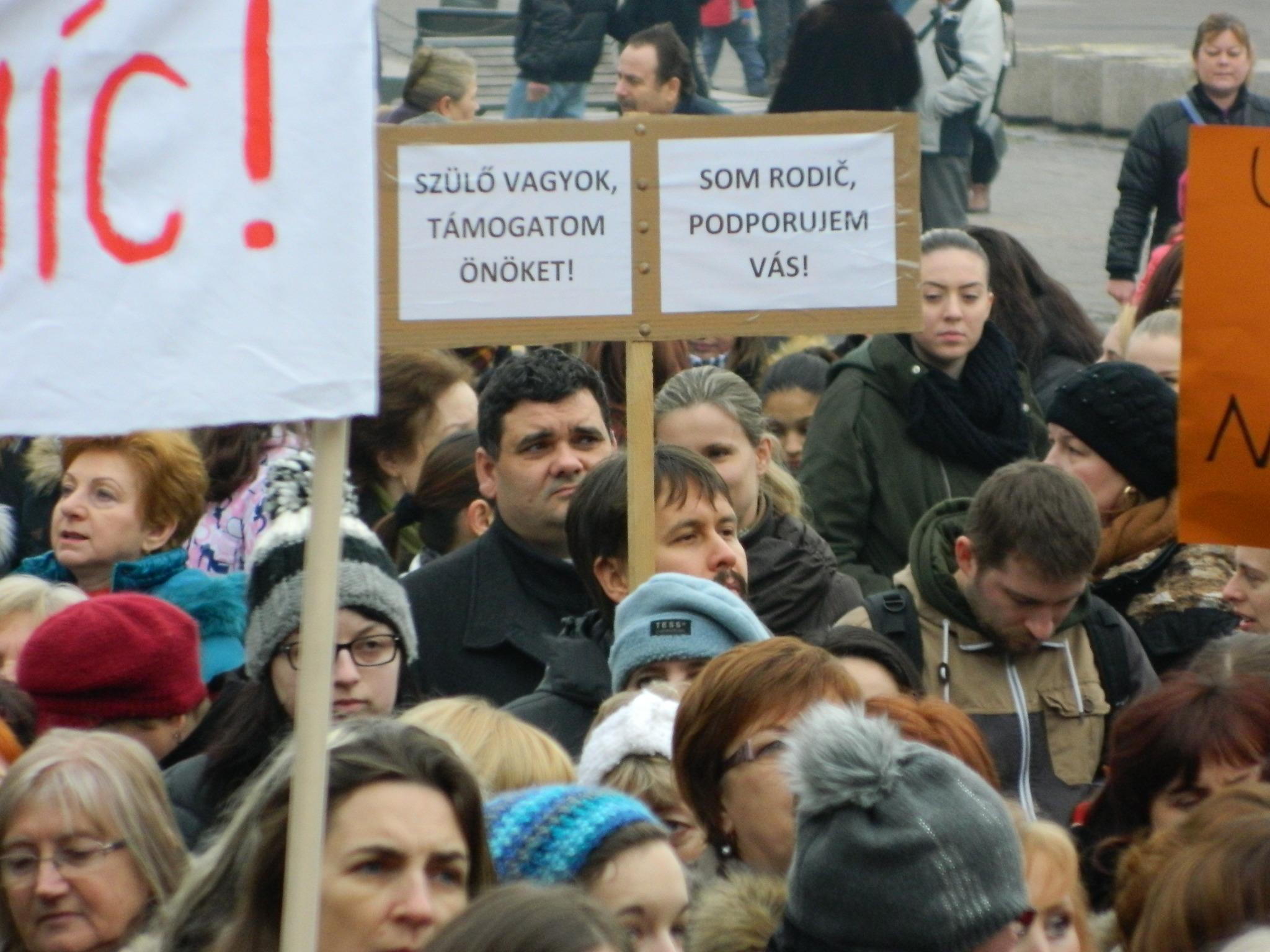 Tüntetés múlt héten Érsekújvárban. Fotó: Varga Ildikó