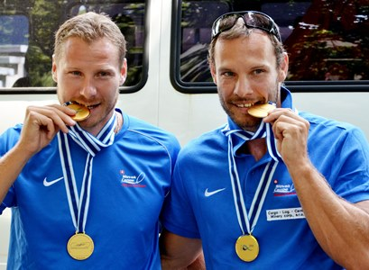 Vlček Erik és Tarr György 2014-ben Moszkvában, miután K2 500 méteren, illetve 1000 méteren is világbajnokok lettek. FOTO TASR