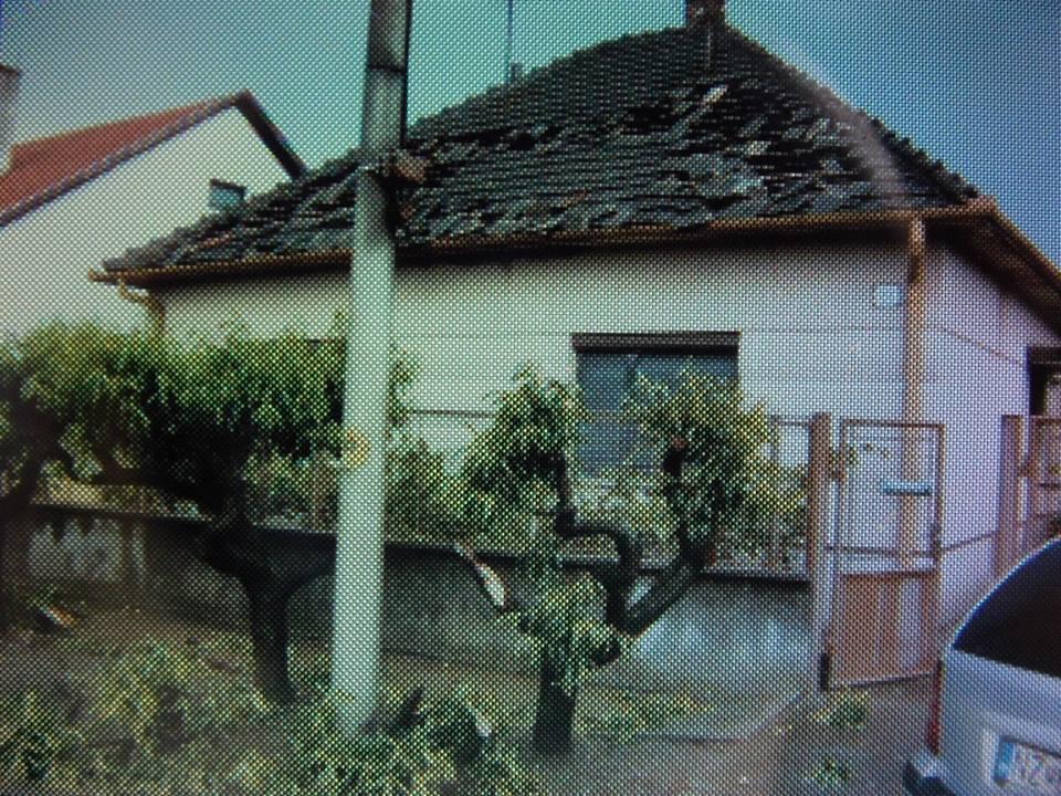 Bruszi Julianna néni háza tegnap a pusztítás után (a kép az ő tulajdonuk).