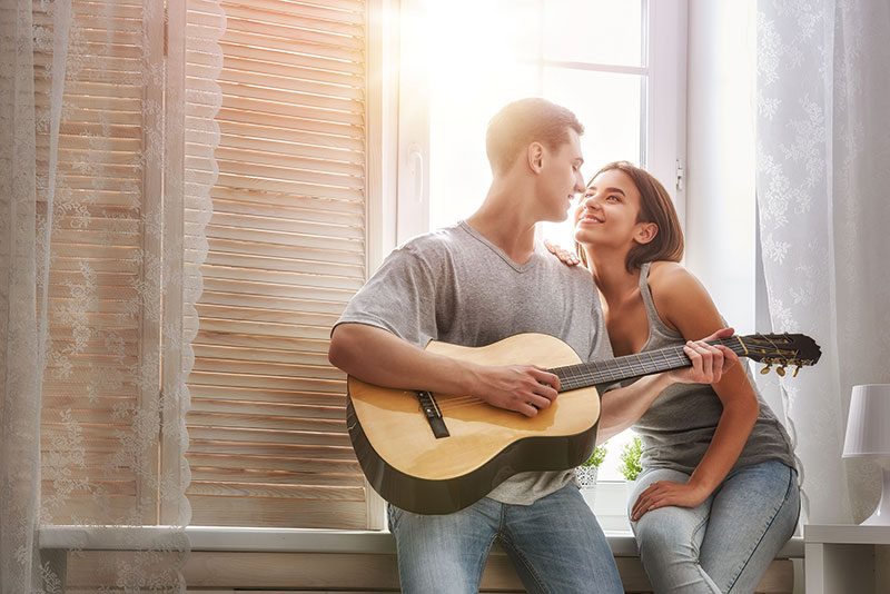 bigstock-Happy-couple-in-love-Stunning-135380909