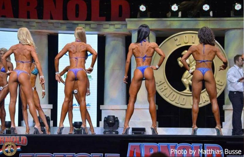 Perina Niki (jobbról a második) verseny közben